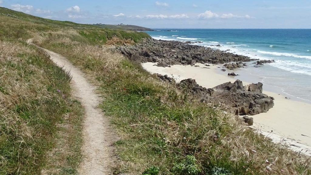 Nochmal ein Strand neben dem plage de mesperleuc - Richtung Gwendrez.